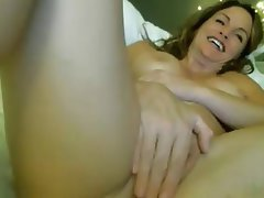 Sexy Squirting Milf On WebCam