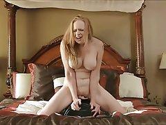 Masturbating mature tube