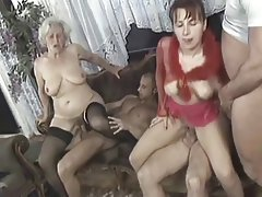 AMATEUR MATURE AND TEEN HOMEMADE GROUP SEX