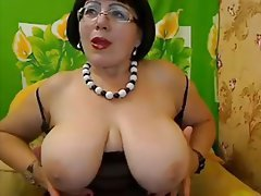 Advise Moms big breasts amateurs